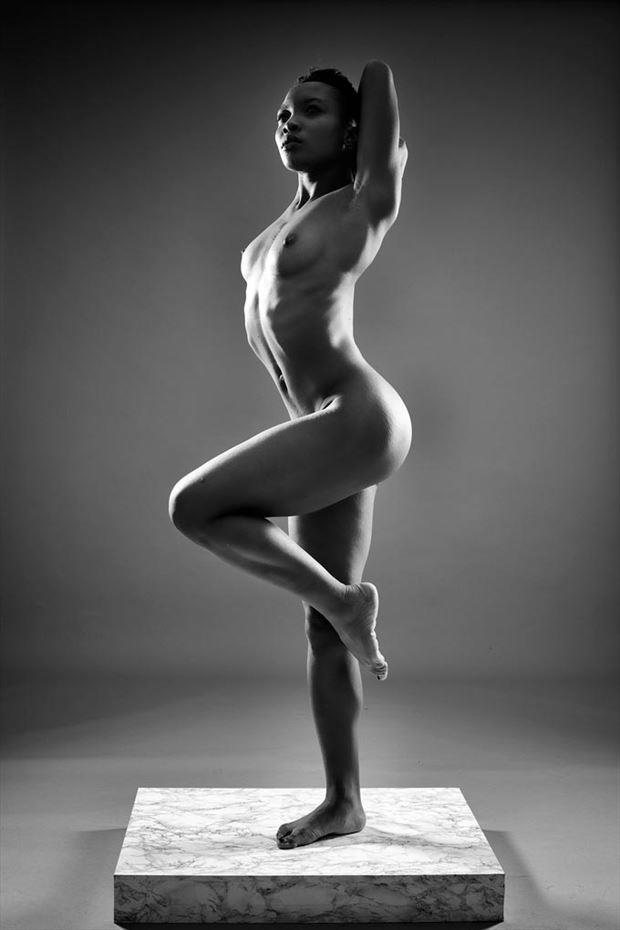 Chi Di Artistic Nude Photo by Photographer 63Claudio