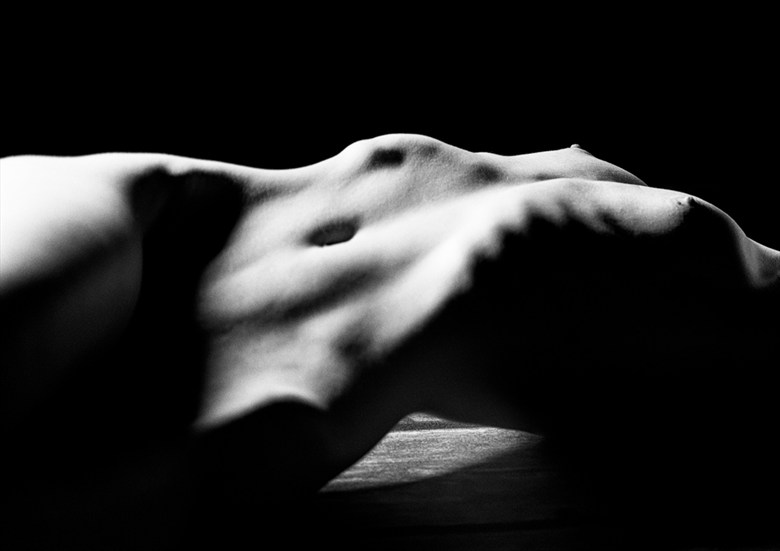 Chiaroscuro (2015) Artistic Nude Photo by Photographer Billy Monday