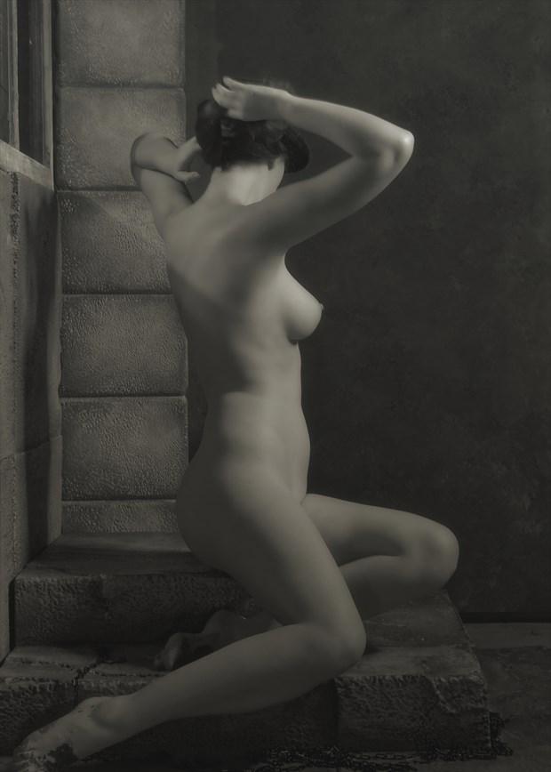 Chiaroscuro Artistic Nude Photo by Photographer FashionMedia