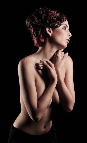 Chiaroscuro Artistic Nude Photo by Photographer Thomas