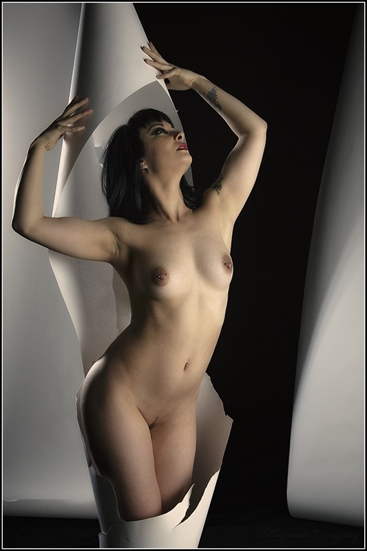 Cinabon in a Tube Artistic Nude Photo by Photographer Magicc Imagery