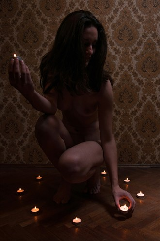 Circle of Light Artistic Nude Photo by Photographer pyriel