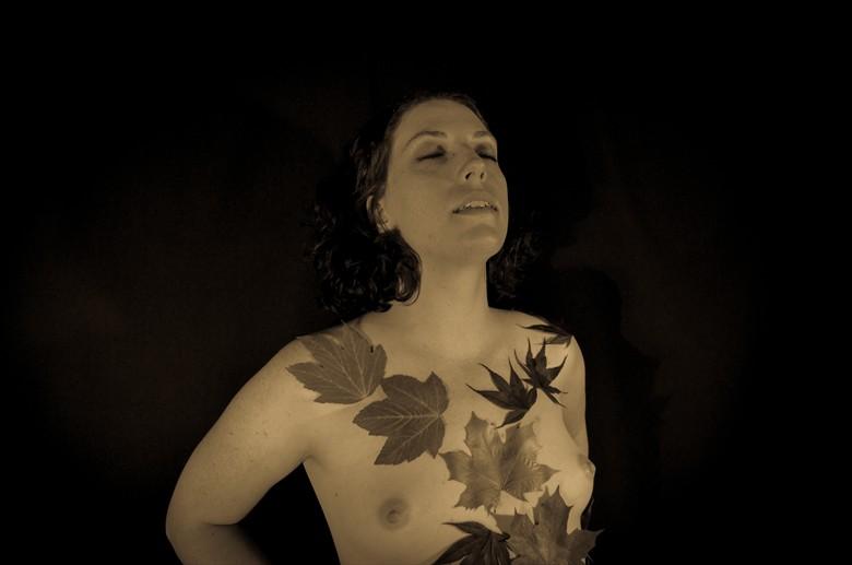 Circleoflight, June 2013 Artistic Nude Photo by Photographer Erik Truchinski