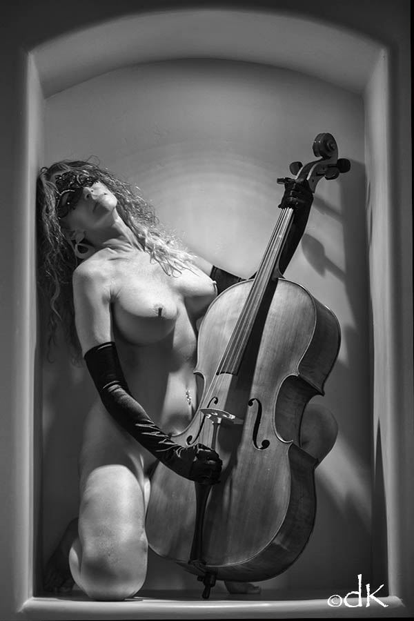 Classical Music Artistic Nude Photo by Photographer dennis keim
