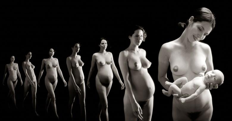 Claudia introduces Lily Artistic Nude Photo by Photographer Ian Cartwright