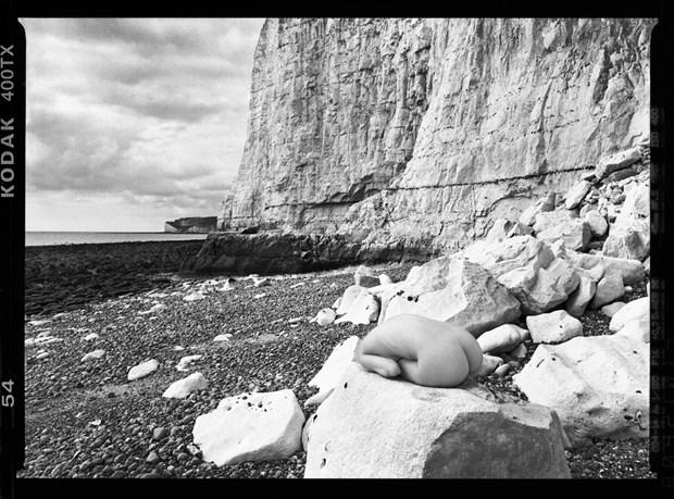Cliffs Artistic Nude Photo by Photographer RayRapkerg