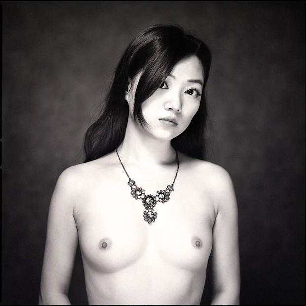 Collier Artistic Nude Artwork by Photographer Raemond
