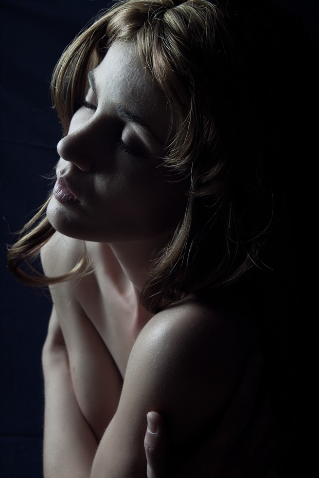 Comfort Artistic Nude Photo by Model Yume Look