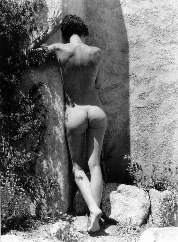 Contre le mur chaud 2 Figure Study Photo by Photographer Dick