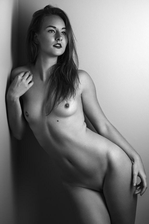 Courbe Artistic Nude Photo by Photographer Aur%C3%A9lien PIERRE