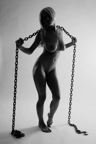 Courtney in Chains %232 Artistic Nude Photo by Photographer artistrefuge