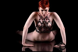 Crawling Artistic Nude Photo by Model Kitty Quinzell