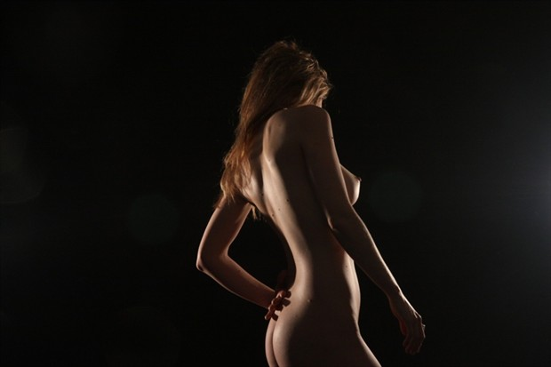 Curve Artistic Nude Photo by Model Joanna