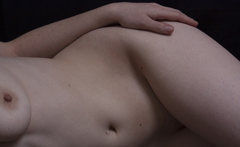 Curves Artistic Nude Photo by Photographer LookingGlassProject