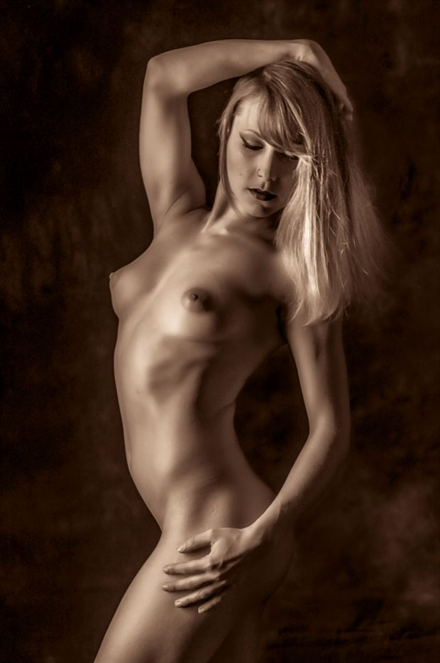 Dahlia Artistic Nude Photo by Photographer Paul Anders