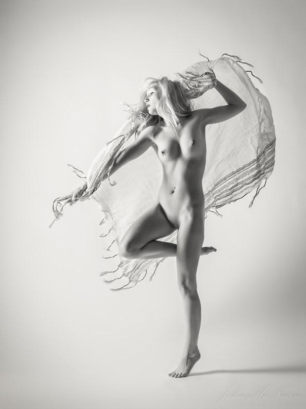 Dance of Frills Artistic Nude Photo by Photographer Rascallyfox