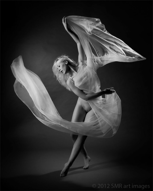 Dancer Artistic Nude Photo by Photographer SMR art images
