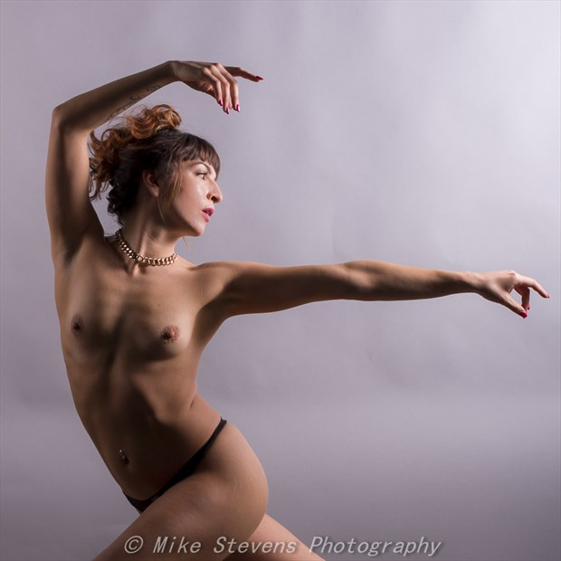 Dancer Glamour Photo by Photographer Mike Stevens