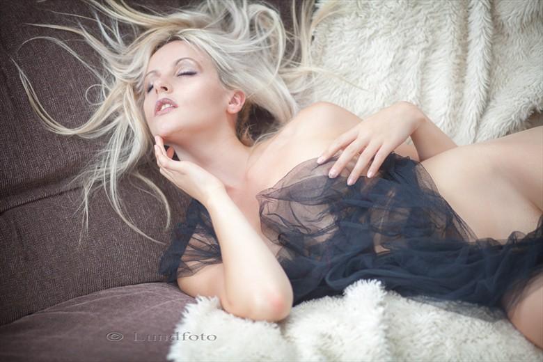 Danni Elle Artistic Nude Photo by Photographer riccardodelavenetzia