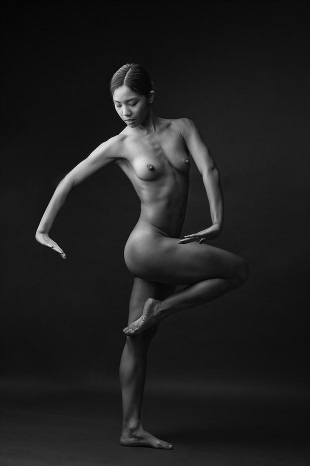 Danza 2 Artistic Nude Photo by Photographer jose luis guiulfo
