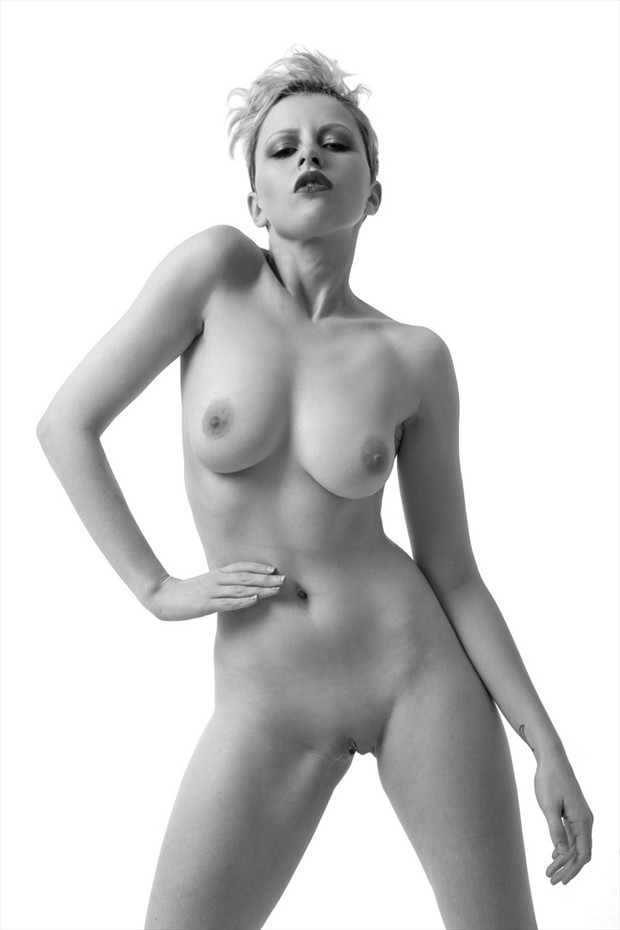 Darren Phillips Artistic Nude Photo by Model Meluxine