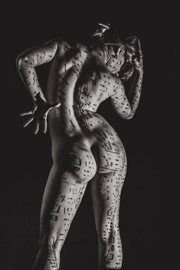 Deep soul in fragile intimacy 4 Artistic Nude Photo by Photographer Looking_Eye