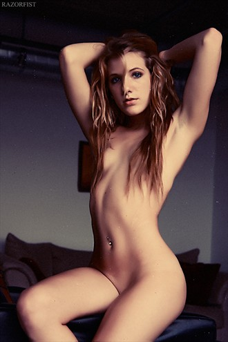 Demure Artistic Nude Photo by Model diluvians
