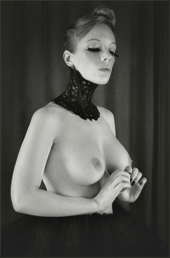 Deprived and Silent Artistic Nude Photo by Model Muse