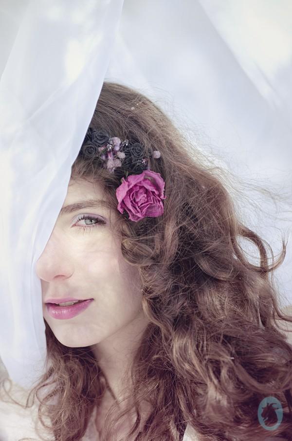 Des fleurs sur la neige Surreal Artwork by Photographer Mlle Ch%C3%A8vre