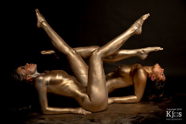 Desparate Artistic Nude Photo by Model Aurora Red