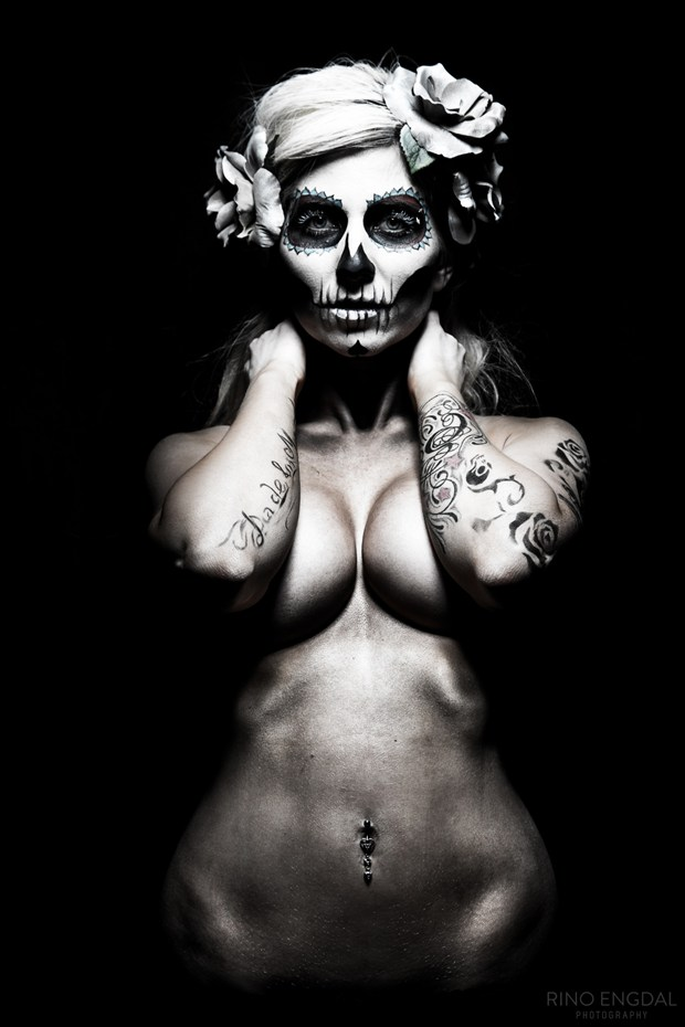 Dia de Los Muertos Body Painting Artwork by Photographer Rino Engdal
