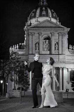 Disdain and desire in Paris Couples Photo by Model NaturalHappyWoman