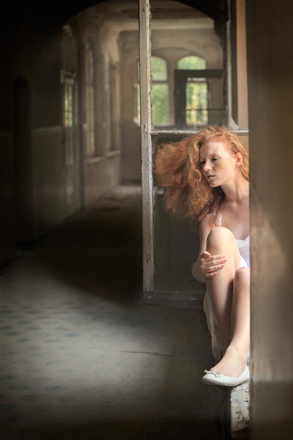 Do you hear the wind... Natural Light Photo by Photographer Laila Pregizer