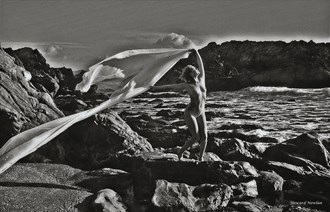 Dramatis Artistic Nude Photo by Photographer Howard Nowlan