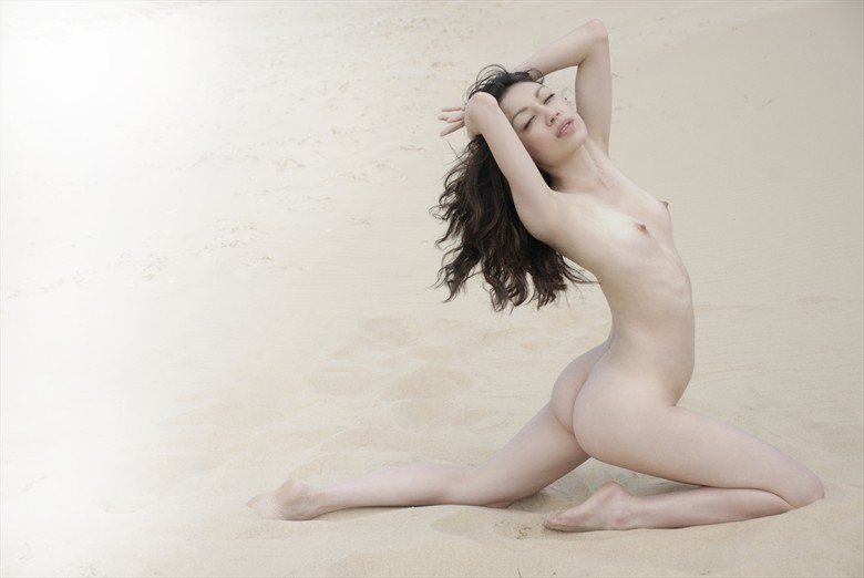 Dream sequence Artistic Nude Photo by Photographer Roger Mann