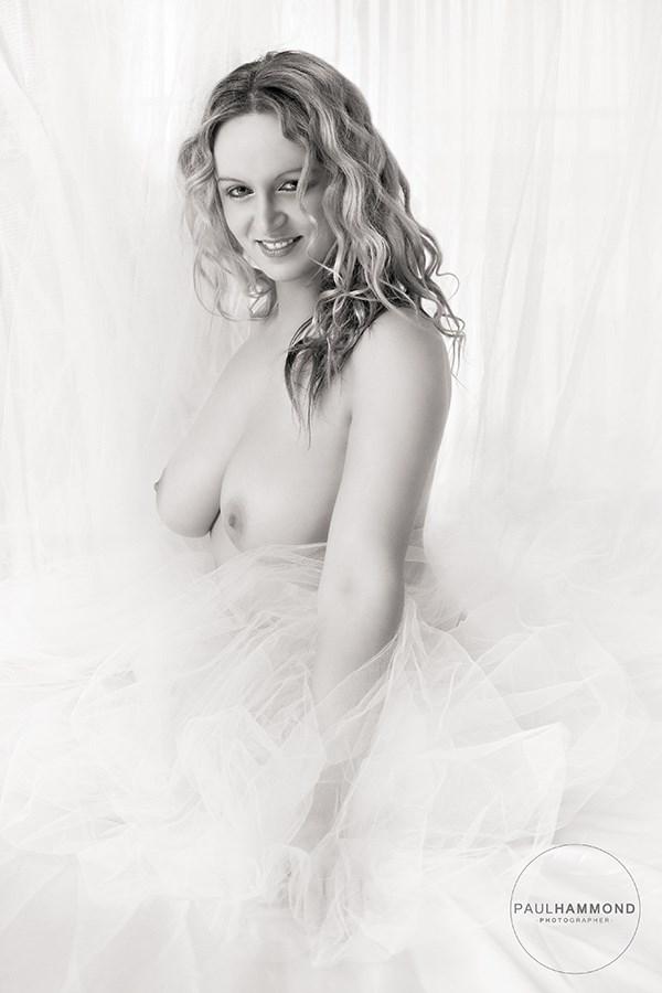 Dreamy Setting Glamour Photo by Model Kelly_Kooper