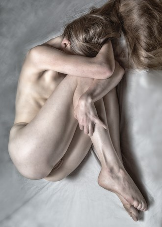 Duck & Cover Artistic Nude Photo by Photographer rick jolson