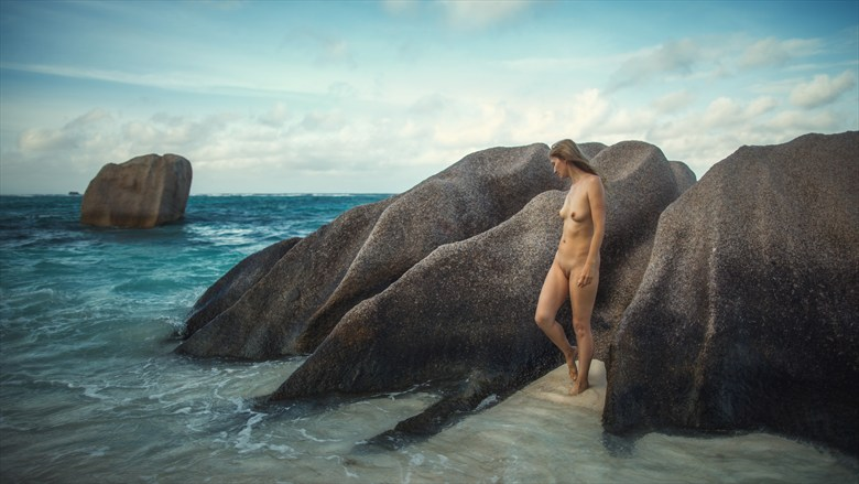 Early morning Artistic Nude Photo by Photographer dml