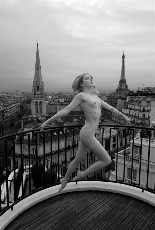 Eiffel Jumping Artistic Nude Photo by Photographer Miguel Soler Roig