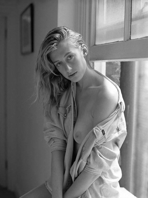Eleanor's gaze Artistic Nude Photo by Photographer Snow Leopard