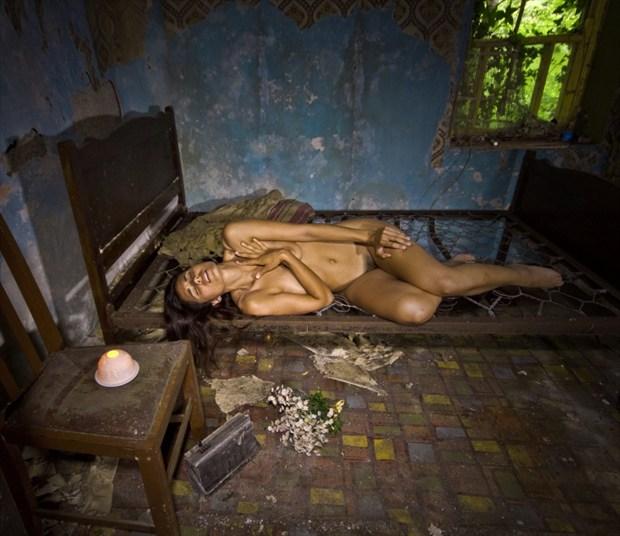 Elegy Artistic Nude Photo by Photographer Douglas Ross