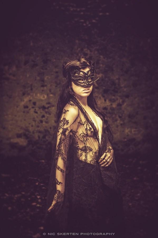 Elizabeth II Artistic Nude Photo by Photographer nicnic
