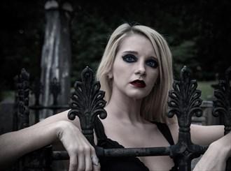 Elizabeth in the cemetery Alternative Model Photo by Photographer dpdodson