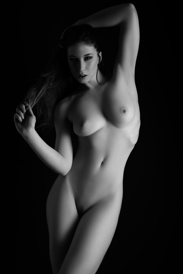Elle Art nude Artistic Nude Photo by Photographer Gareth Havard