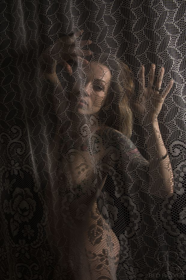 Elle Artistic Nude Photo by Photographer Red Rayven