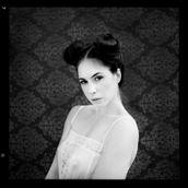 Elle Beth Portrait Photo by Photographer RayRapkerg