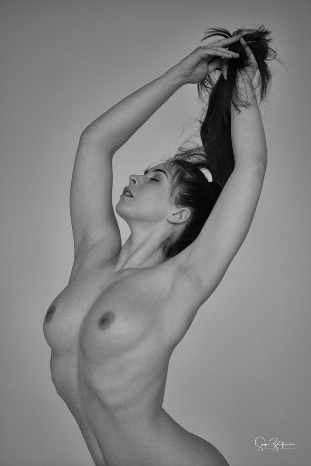 Elle... Artistic Nude Photo by Photographer Spyro Zarifopoulos