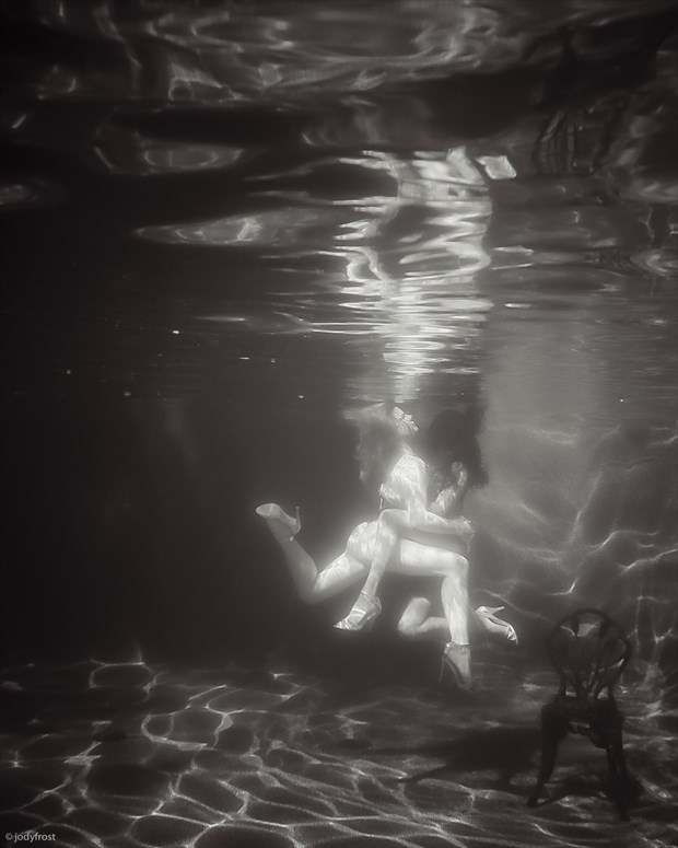 Embrace underwater Artistic Nude Photo by Photographer jody frost