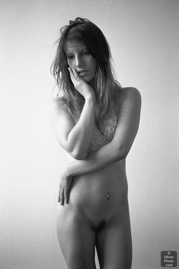 Emote.  Artistic Nude Photo by Model VexV oir