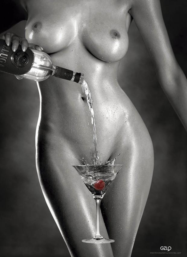 Erotic Drink Artistic Nude Photo by Artist GonZaLo Villar